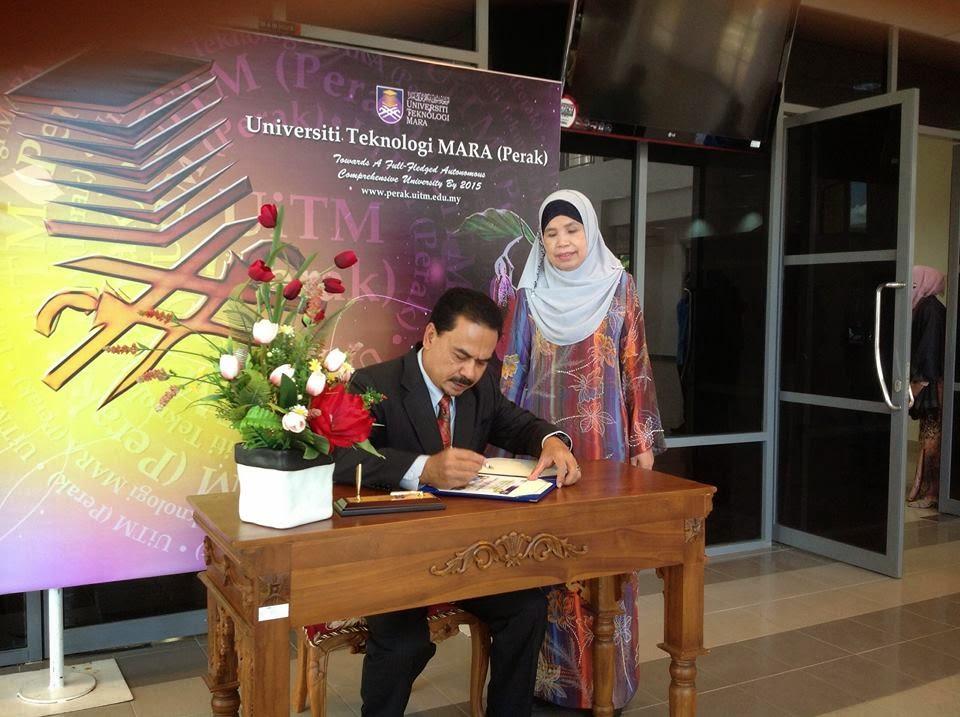 Penerimaan Anugerah Rakan Universiti UiTM di Majlis Sambutan Inovasi UiTM Perak