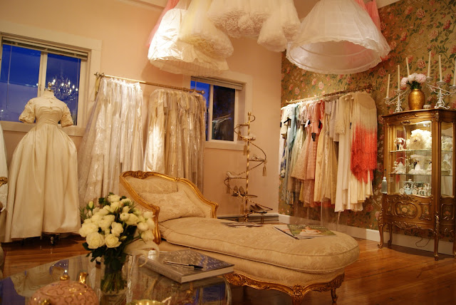 Xtabay vintage clothing boutique portland oregon for Classic bridal house johor