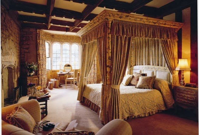 Eye for design decorating tudor style for Tudor style bedroom