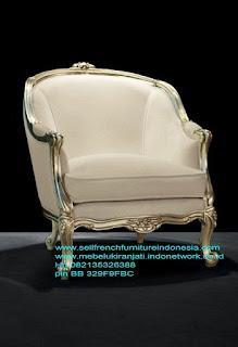 Jual mebel ukir jepara,Sofa ukir jepara Jual furniture mebel jepara sofa tamu klasik sofa tamu jati sofa tamu antik sofa tamu jepara sofa tamu cat duco jepara mebel jati ukir jepara code SFTM-22033