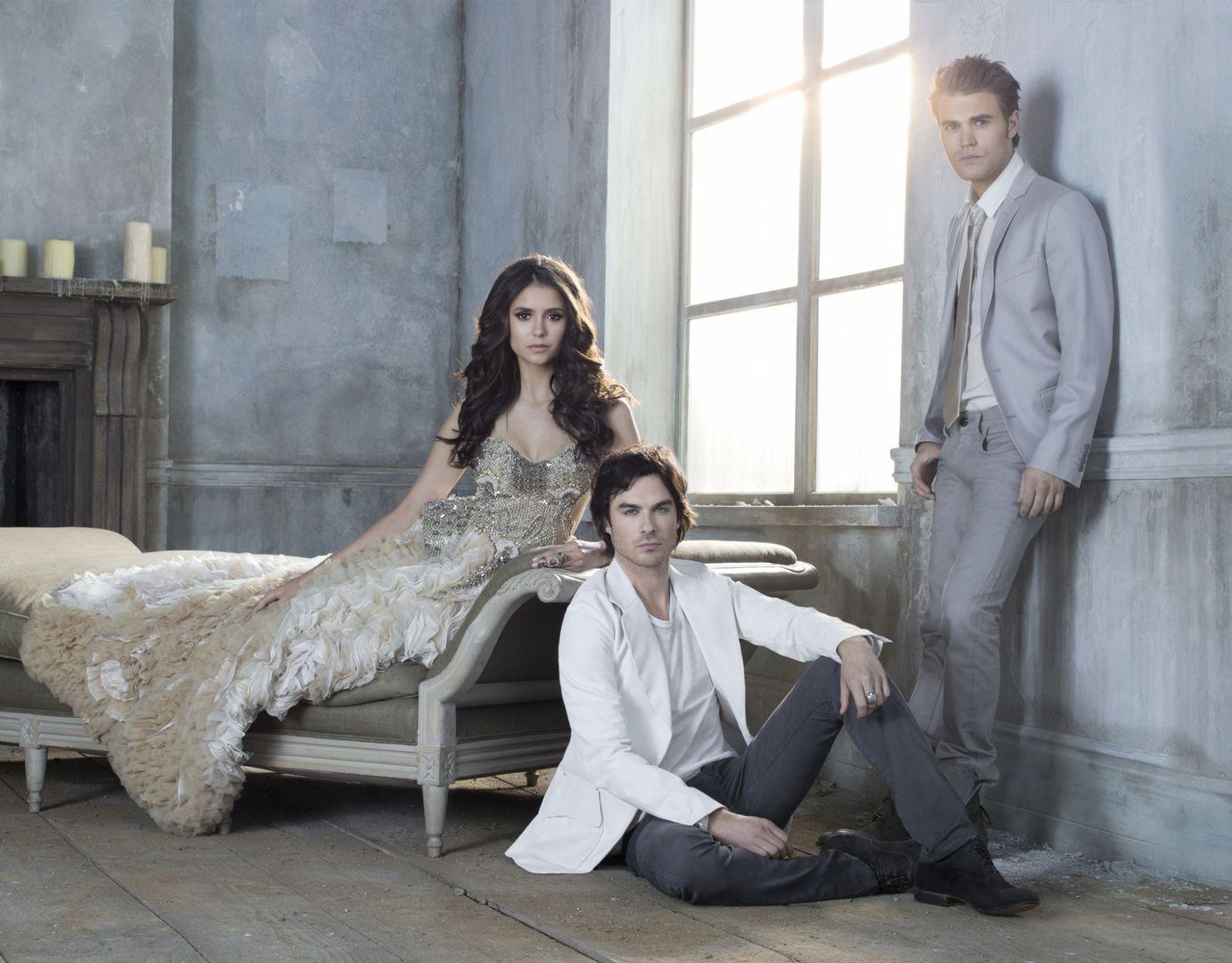 http://4.bp.blogspot.com/-6fhPaMoECwc/TmEIZDScilI/AAAAAAAAAJU/W4Vp9dc_mE4/s1600/season3.jpg
