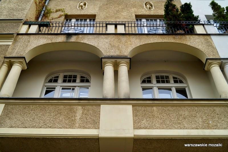 warszawa stolica balkon wykusz brama podwórko