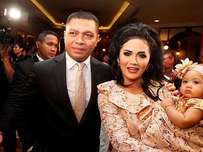 Foto Krisdayanti di Pernikahan Anang dan Ashanty