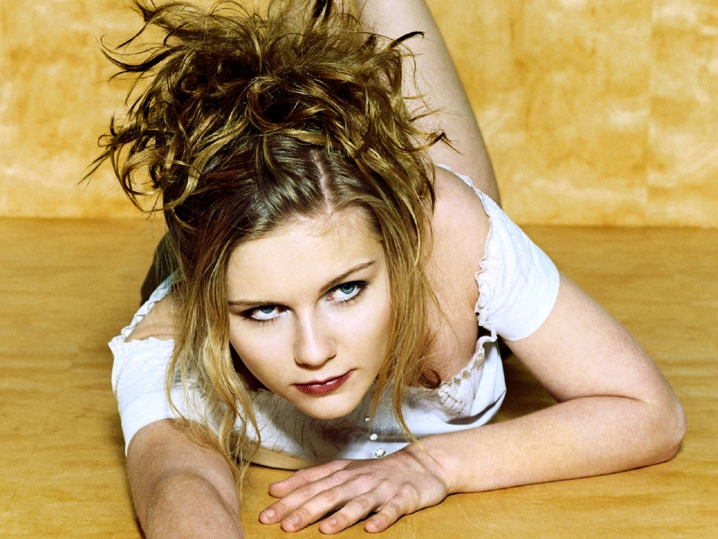 http://4.bp.blogspot.com/-6fq6aWXw4lM/Tmh2F--5grI/AAAAAAAAFdE/jSe1GPZEukE/s1600/hollywood_actress_wallpapers.jpg