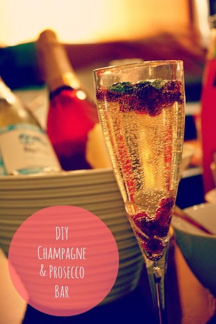 DIY Champagne and Prosecco Bar  - perfect cocktail idea for a Christmas or New Years Party!