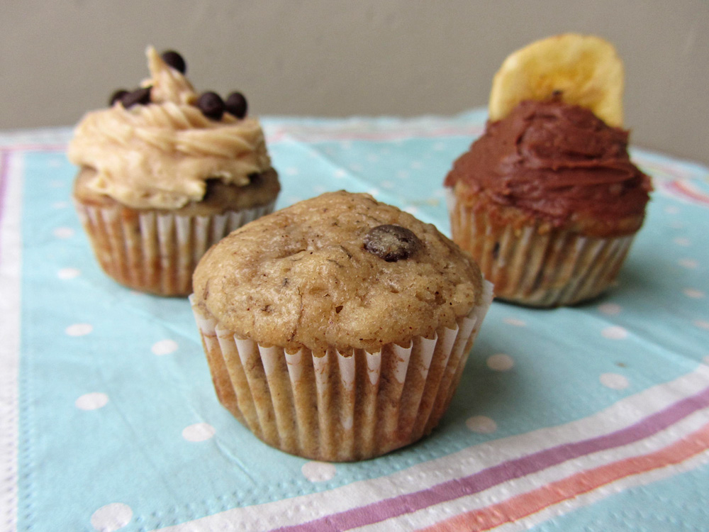 mini banana chocolate chip cupcakes