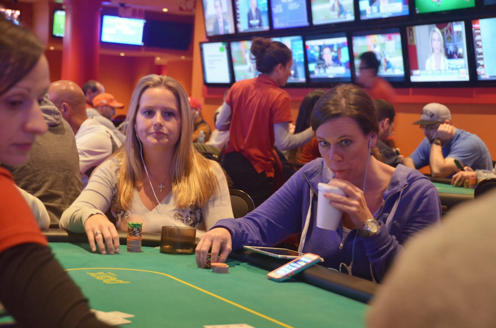 Parx big stax iv big stax 1000 day 1b through the lens for Parx poker room live game report