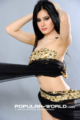 Foto Angel Aqilla Artis Model Cantik Majalah Popular - BFN Mei 2013