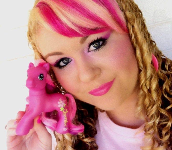 LAUREN DAY MAKEUP : CHEERILEE My Little Pony Makeup Tutorial
