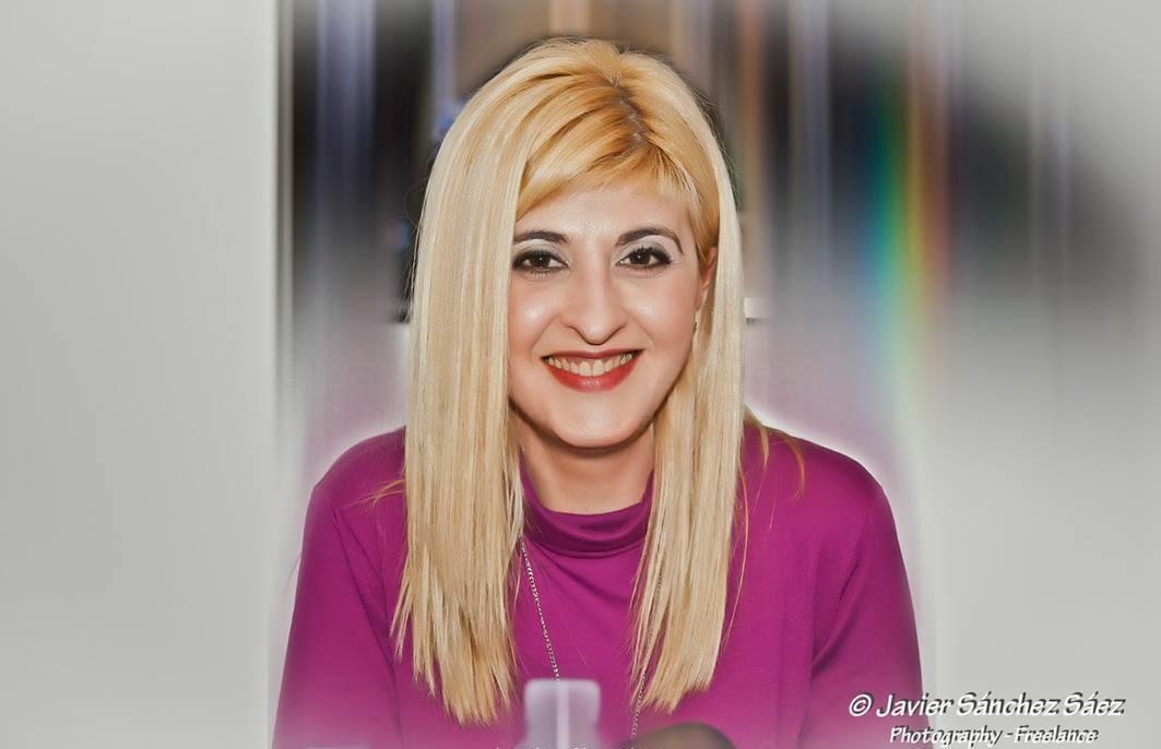 Revista Online MoonMagazine y Txaro Cárdenas en el blog de Virginia Oviedo