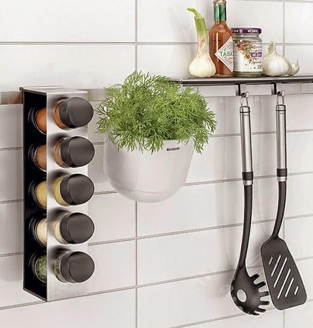 Decoraci n f cil un peque o huerto en la cocina - Ikea cuisine accessoires muraux ...