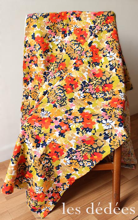 les dedees vintage recup creations deco un bouquet psychedelique pour habiller la maison. Black Bedroom Furniture Sets. Home Design Ideas