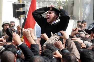 إضراب 300 ضابط وأمين شرطة من قوة مركز شرطة صدفا بأسيوط عن العمل