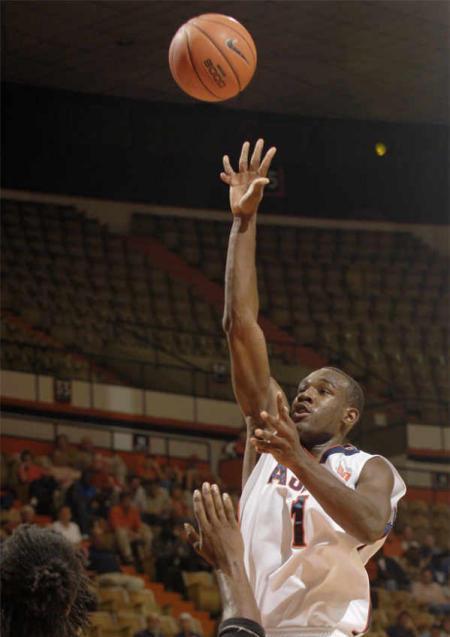 basquet Frank Tolbert