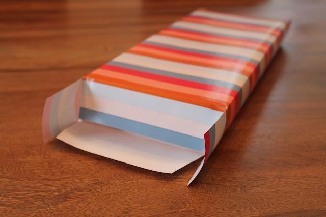 Tüte aus Papier falten