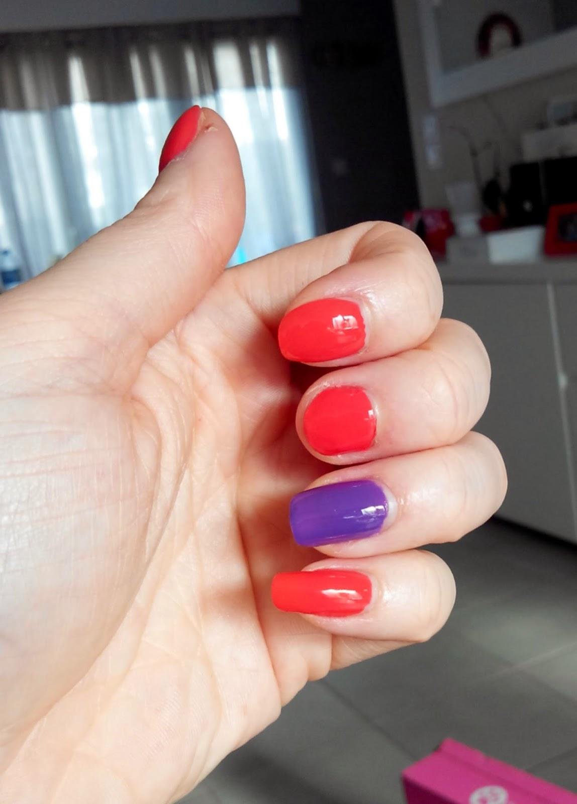vernis, manucure, rouge, violet, ongles, bullelodie, bell, kosméopolis