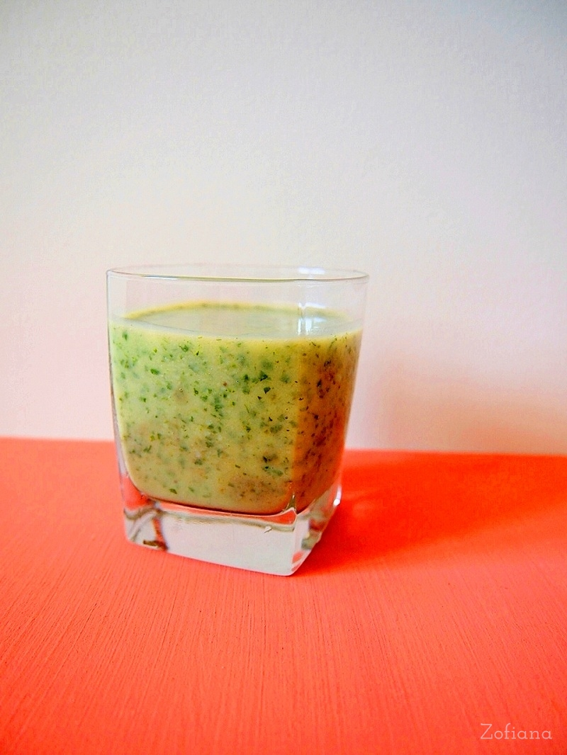parsley & banana smoothie