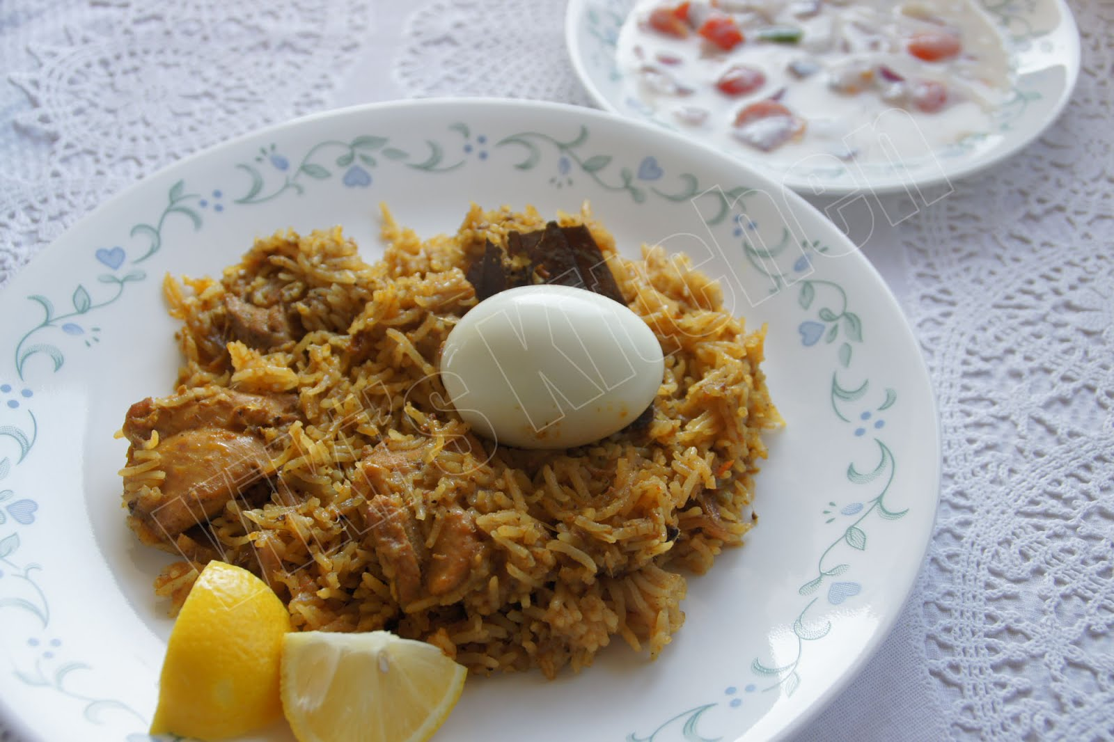 http://4.bp.blogspot.com/-6hzV-D-WXlI/T7fjS-bD3wI/AAAAAAAATY8/XKO9TOspwfI/s1600/chicken+briyani+in+cooker.jpg