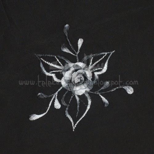 Telekung Vietnam tanah hitam, bunga kelabu putih sulam bunga timbul