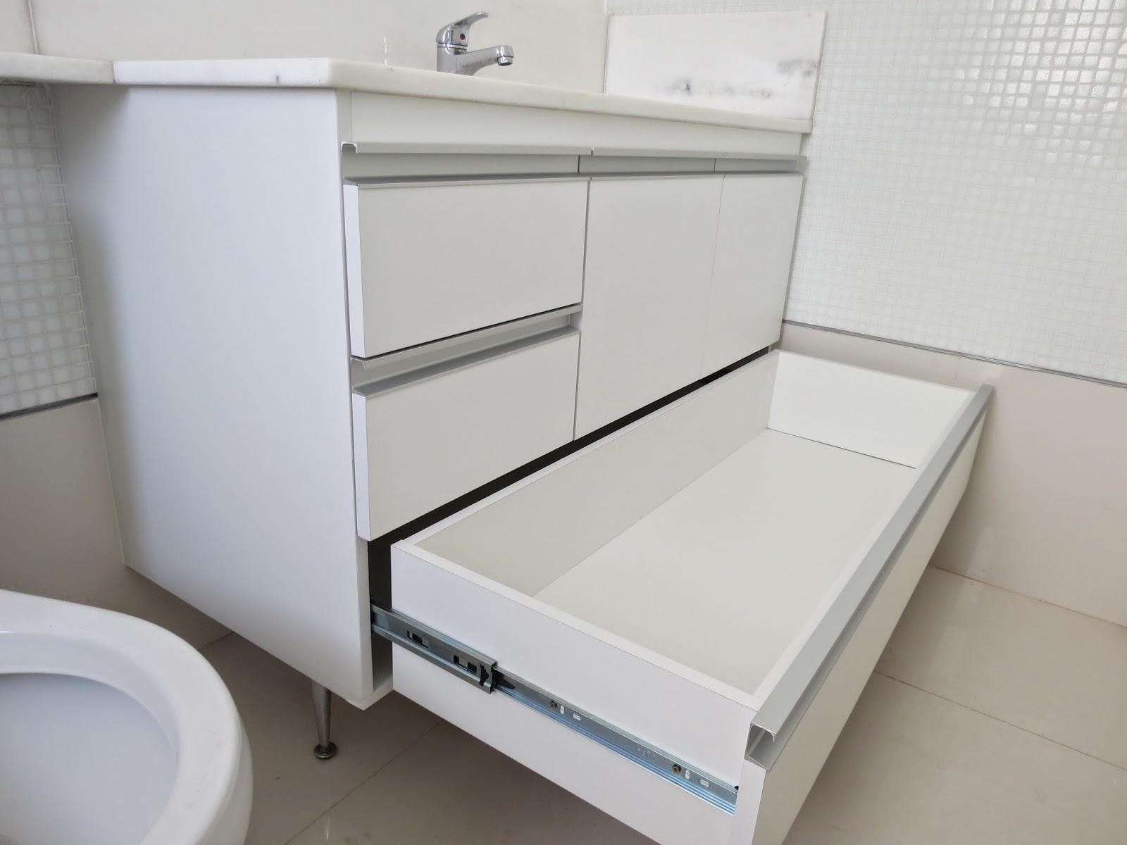 Banheiro (Padrão Branco) Portas em 18mm Puxadores em Perfil de #596272 1600x1200 Armario Banheiro De Aluminio