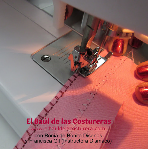 Máquina de coser Bernette Moscow 2 Prensatela overlock