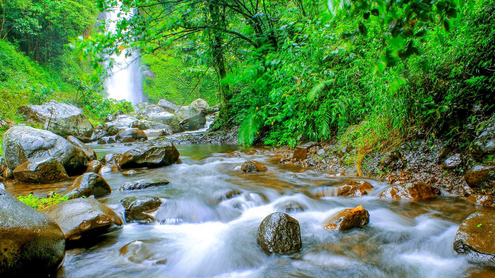 Air Terjun Kembar Barambang Sinjai