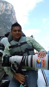 Héctor Pérez C. Reportero gráfico de la revista Furia Musical
