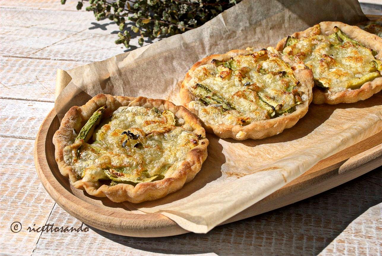 Lepizzottine pizzette di farro alle zucchine deliziosi fingerfood alle verdure