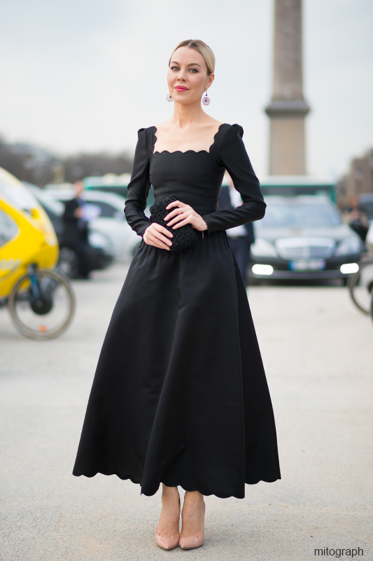 mitograph Ulyana Sergeenko wearing Valentino 2012 Fall Winter Black Dress Paris Fashion Week 2013 2014 Fall Winter PFW Street Style Shimpei Mito