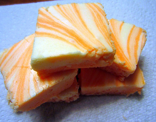 Nov 03, · Orange creamsicle fudge features swirls of sweet white chocolate fudge mixed with bright, fragrant, orange-flavored fudge. It's as delicious as it 5/5(15).