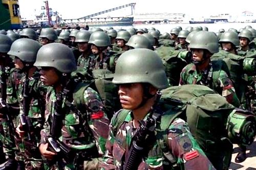 Pasukan TNI Kodam IV/Diponegoro. PROKIMAL ONLINE Kotabumi Lampung Utara