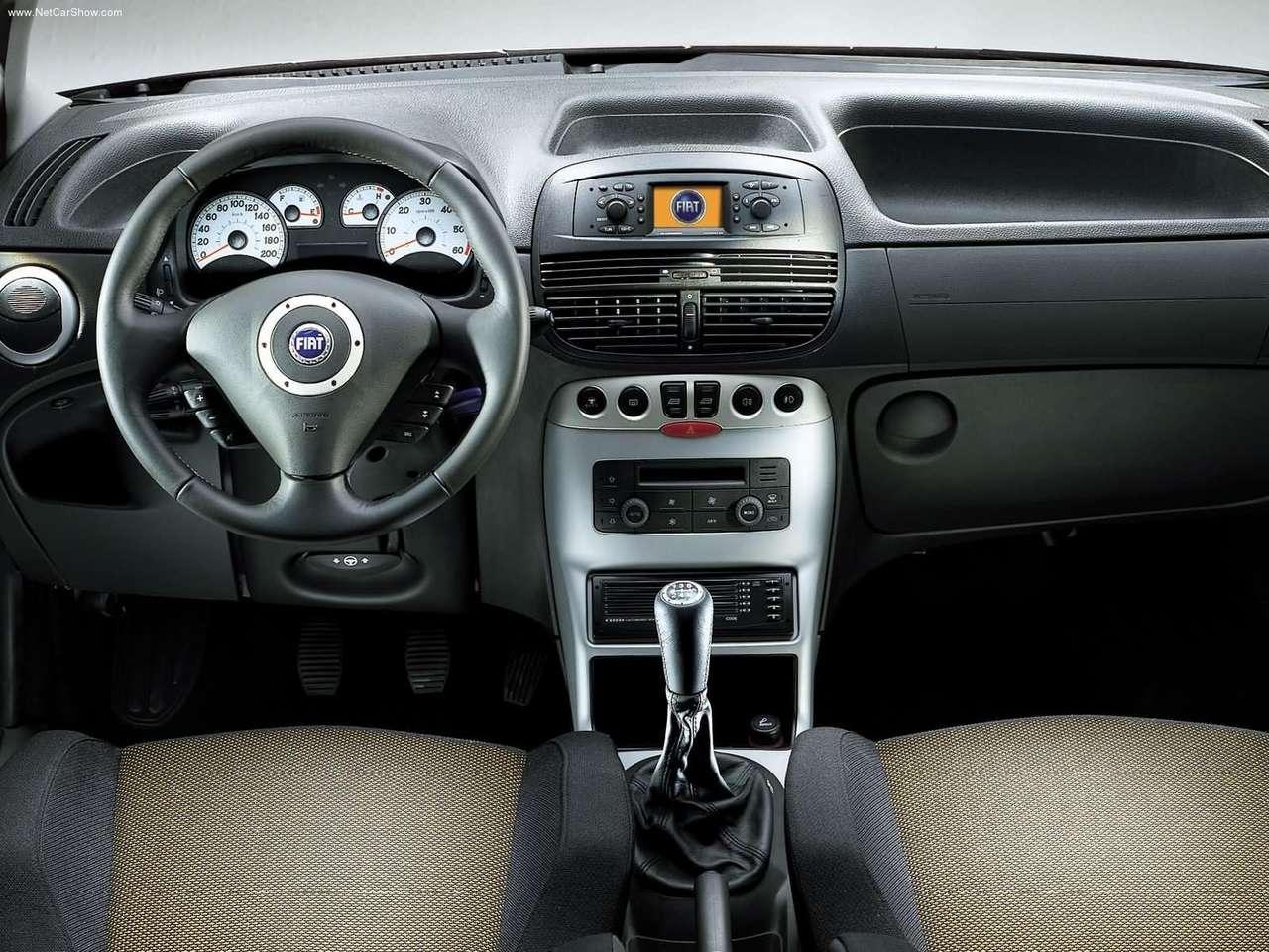 Fiat -Populaire français d'automobiles: 2003 Fiat Punto Sporting