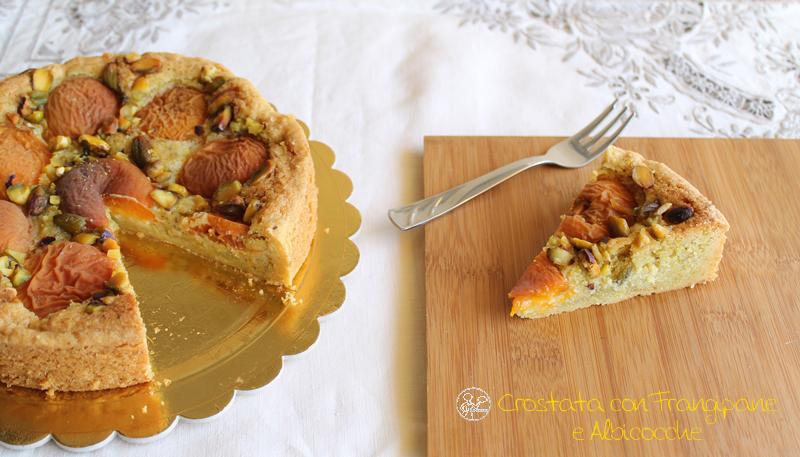crostata con frangipane e albicocche