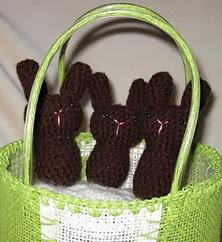 http://translate.googleusercontent.com/translate_c?depth=1&hl=es&rurl=translate.google.es&sl=auto&tl=es&u=http://loopsoflavender.blogspot.com.es/2012/03/chocolate-bunny-crochet-pattern.html&usg=ALkJrhh3t5QnasadEBi_93dMUsYoO8mgkA