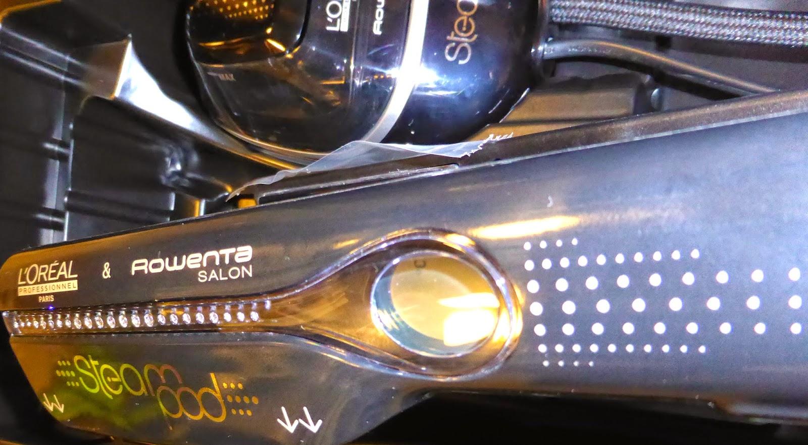 Un rappel des Swarovski éléments sur le manche et sur le réservoir du Steampod Swarovski,  en édition limitée, disponible au Studio 54 à Montpellier