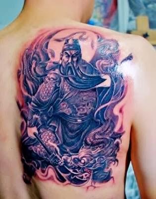 tatuagens de samurais com dragão masculinas nas costas