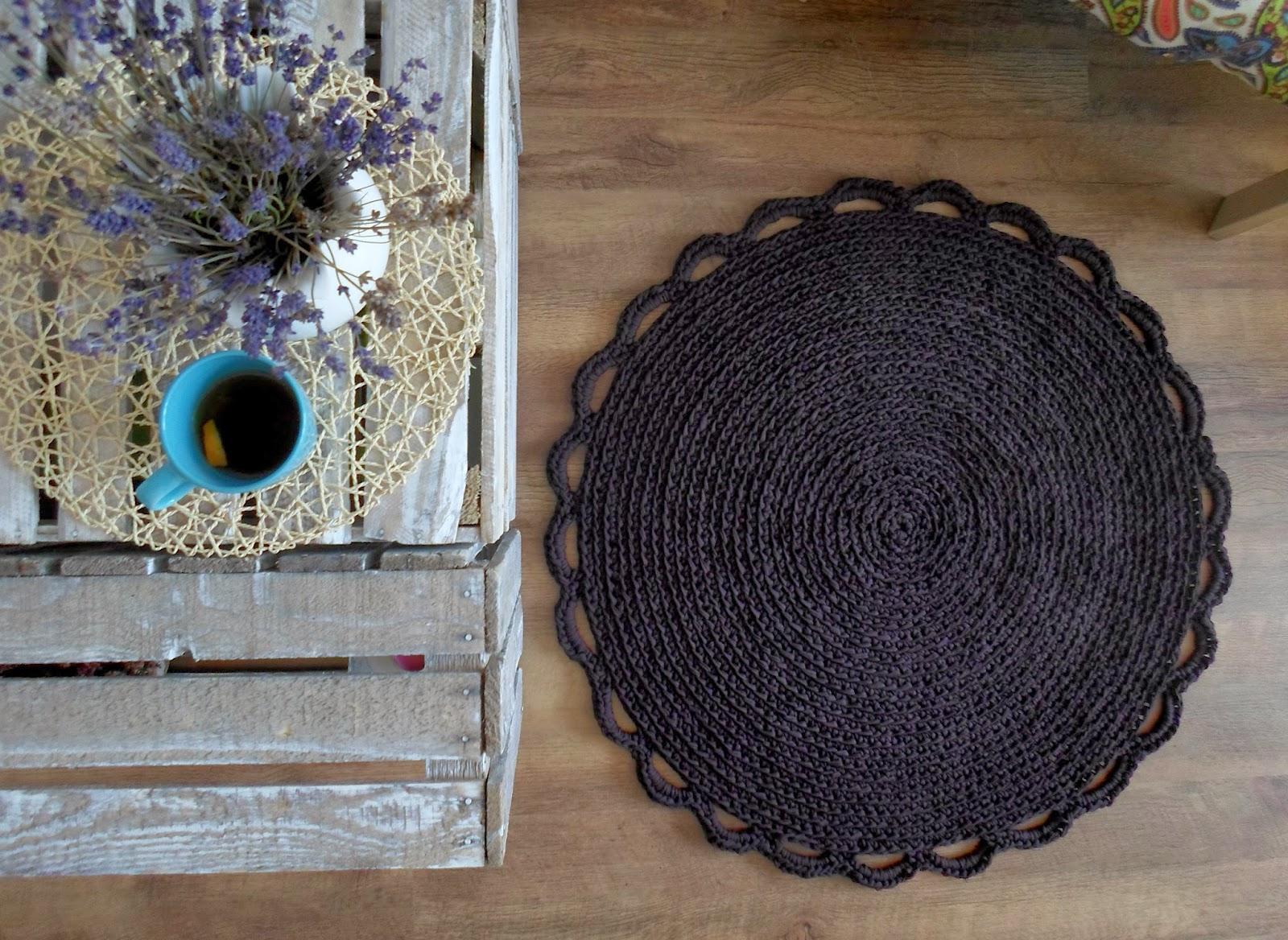 Czekoladowo-biały i inne dywany