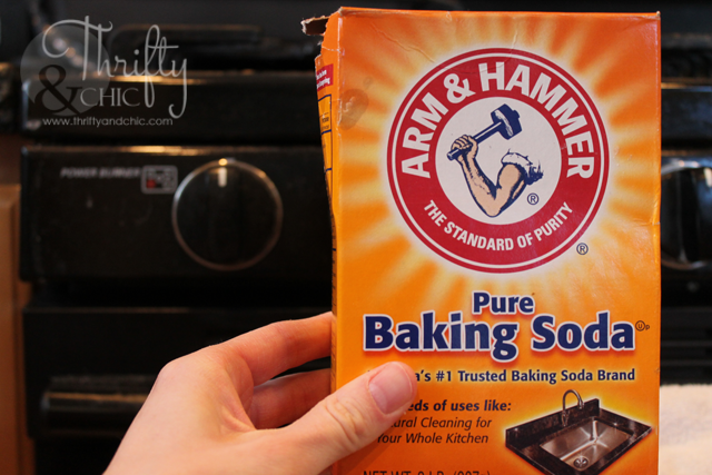 Clean years of stubborn grease using baking soda!