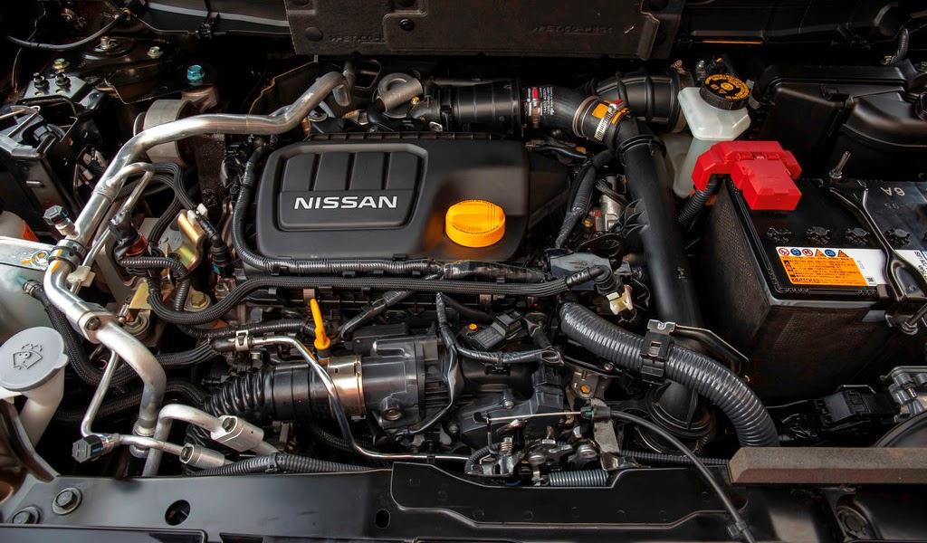 2014 Nissan X-Trail Engine Wallpaper