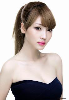 Hot Model Ada Liu Yan