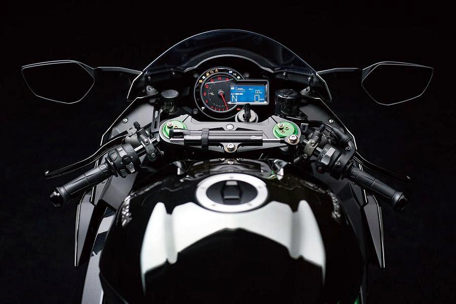 Kawasaki Ninja H2 (2015) Instruments
