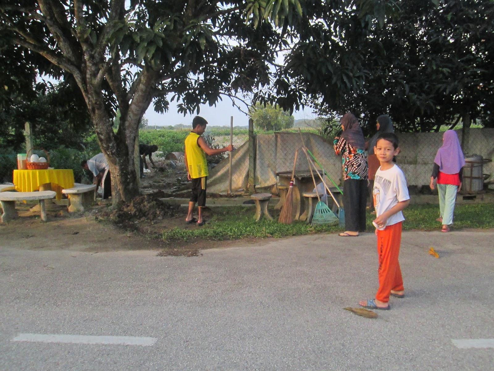 Gotong Royong grup 14