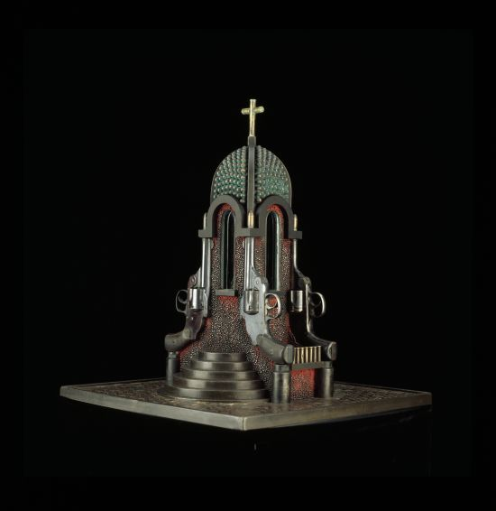 al farrow esculturas relicários templos religiosos símbolos armas munição Dedo do gatilho de Santa Guerra