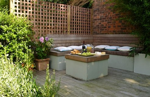 Built in garden seating p tett kerti pihen k home for City garden designs