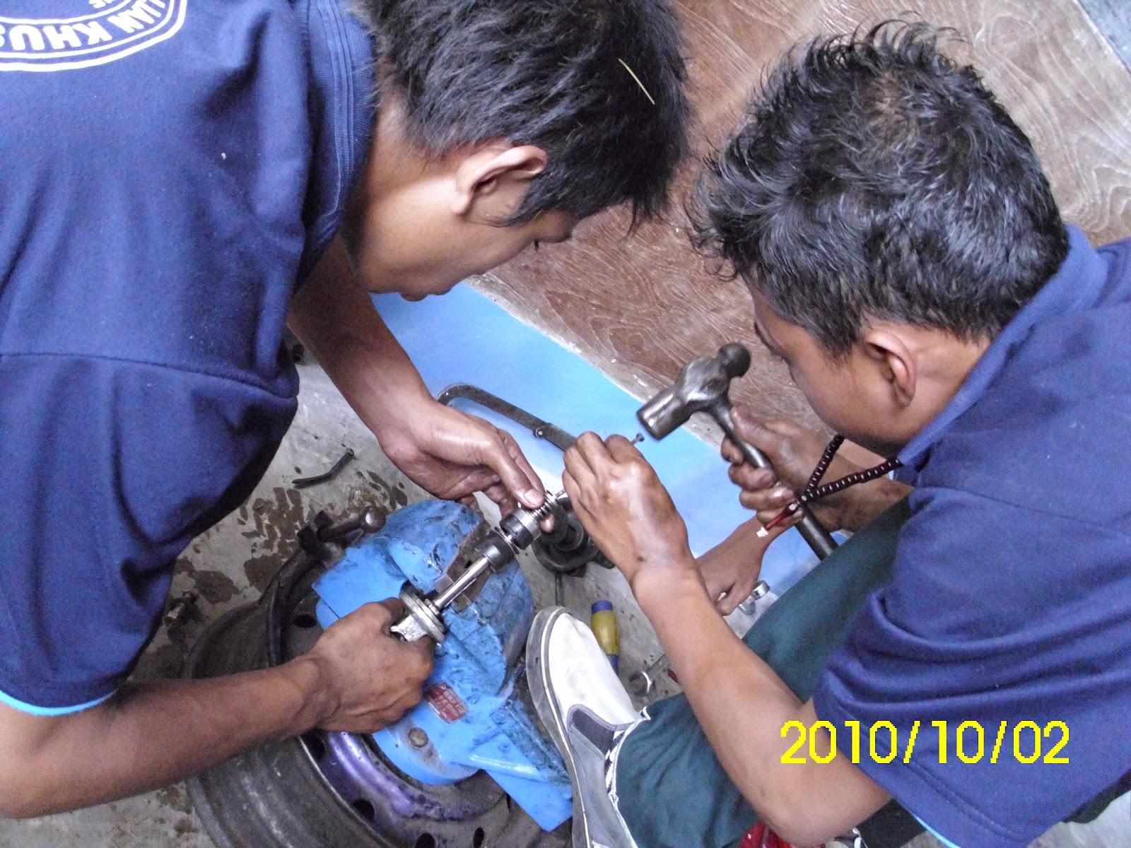Spesialist Sekok Moes Motor Malang Memperbaiki Shock Becker Belakang Seal Honda