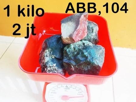 Batu Bacan dan Obi Maluku Utara,INDONESIA: bongkahan Batu Bacan ...
