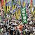 Una gran marcha reclama en Tokio el cierre de todas las centrales atómicas.