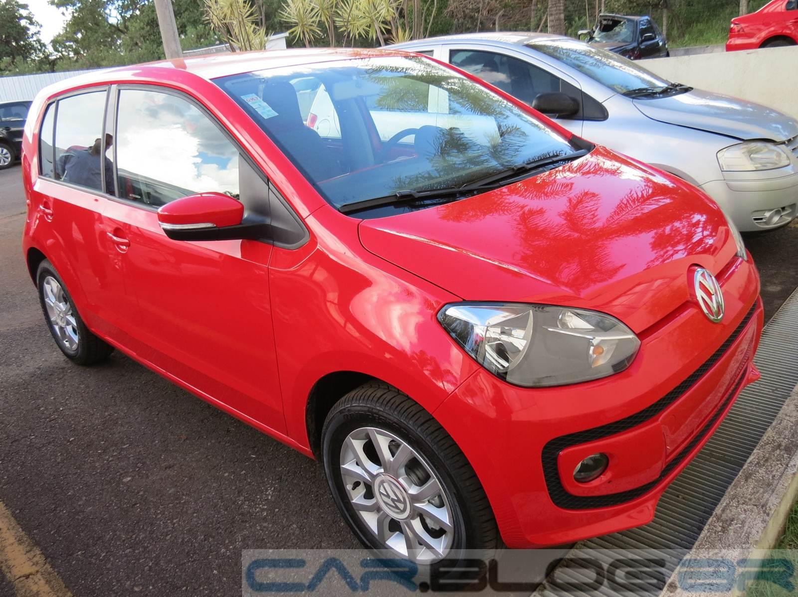 Volkswagen up! 2015 - Vermelho