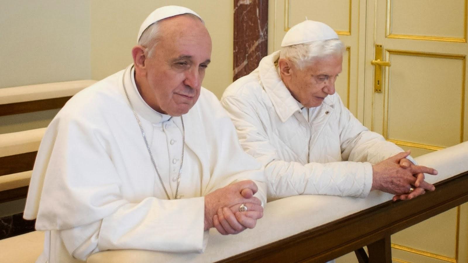 REZEMOS PELOS NOSSOS PAPAS FRANCISCO E BENTO XVI