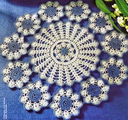 Carpeta crochet con original diseño a dos colores
